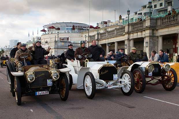 London_to_Brighton_veteran_car-run